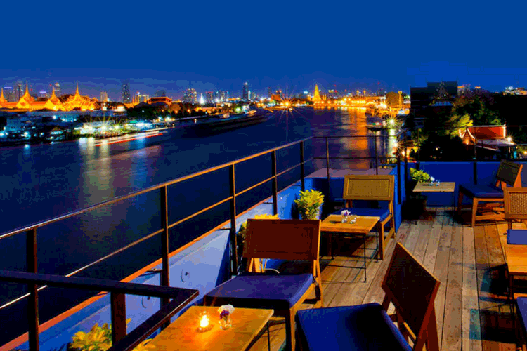 Riverside Rooftop Bar