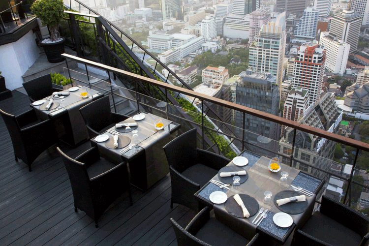Vertigo and Moon Bar, Banyan Tree Hotel
